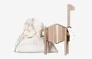 MOEBE/POLYGRIFが収納できる専用の布袋が付属します