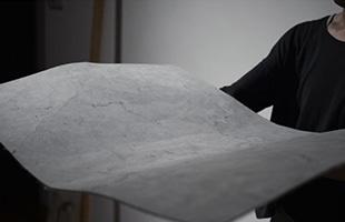 一般的にセメントと砂と水を練り合わせた材料がモルタルと呼ばれますが、こちらの「mortar」は特殊な繊維をアイテム毎に異なる調合で練りこみ製作されています