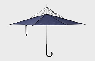 雨の日の不快を解消する、逆転の発想から生まれたまったく新しい傘UnBRELLAです