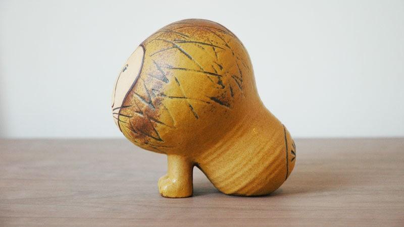 Lionライオン・ミディアムサイズ,横からの姿,Lisa Larsonリサ・ラーソン,スウェーデン,北欧オブジェ,北欧置物,北欧インテリア,北欧雑貨