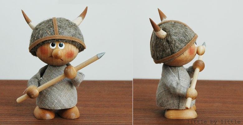 エストニアのハンドクラフトの槍を持ったヴァイキングのオブジェ,置物,北欧エストニア,北欧雑貨,北欧インテリア,北欧ギフト