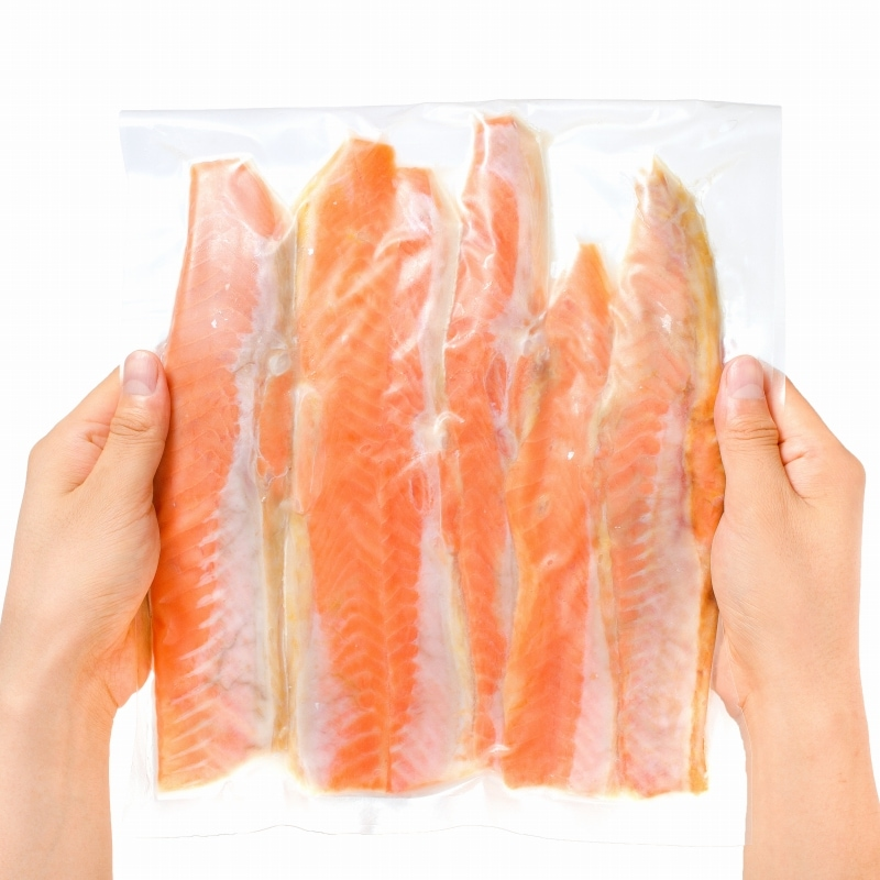 紅鮭ハラス 冷凍パッケージ手持ち
