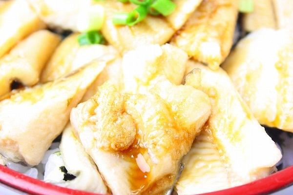煮穴子丼アップ2