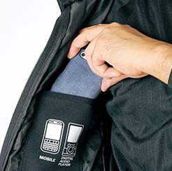 右胸携帯電話内ポケット