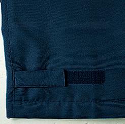 マジックテープ付きで裾の幅が調節可能
