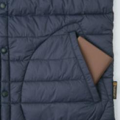 防寒Vネックベスト G-399 の脇ポケットの写真