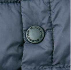 防寒Vネックベスト G-399の刻印入りドットボタンの写真