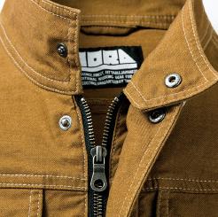 寅壱 蛇腹ライダースジャケット 3930-554  のスタンドカラー、前立て付ファスナー仕様の写真