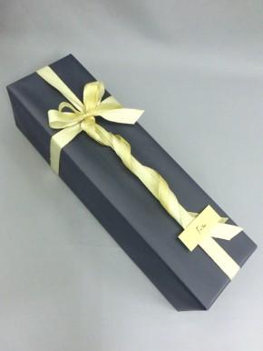 有料 紺色包装紙 & ゴールドリボン