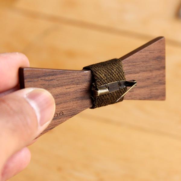 ピンバッジやアクセサリー小物としても使えるボウタイ
