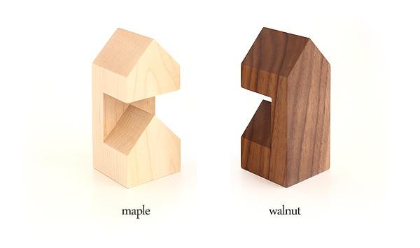 メープルとウォールナットを使用した高級天然木削りだしによる腕時計スタンド