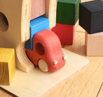 トラックと積み木のおもちゃ「Tuminy(ツミニー)」