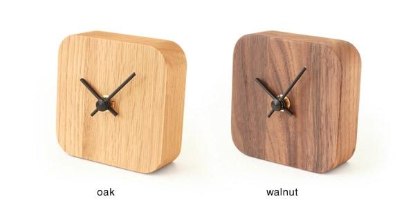集成材の表情がおしゃれな、木製テーブルクロック
