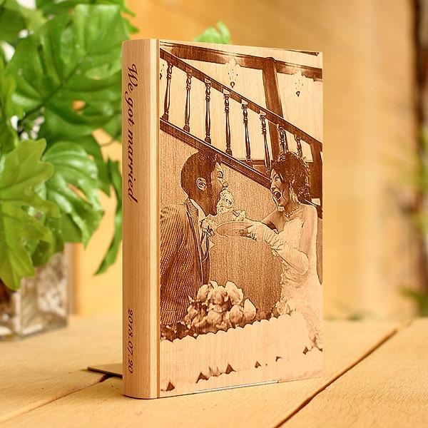 写真から木製品にレーザー刻印できます