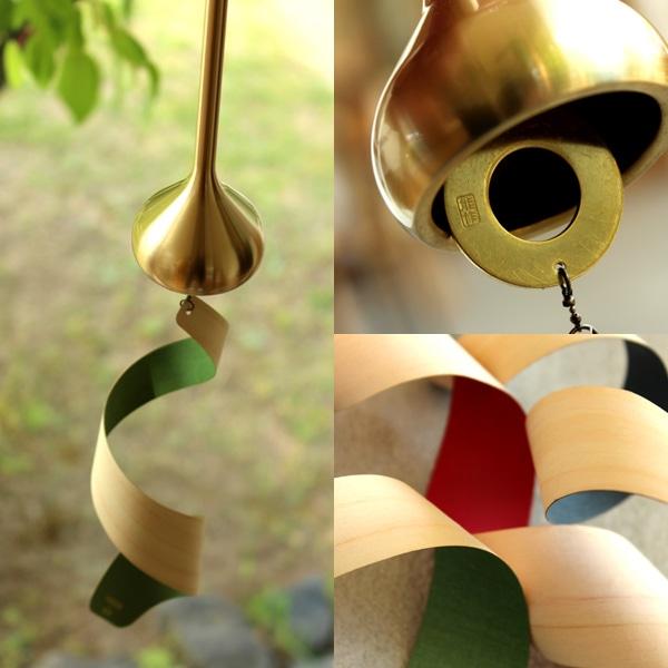 能作の作る風鈴に薄くスライスしたヒノキの板が揺れる