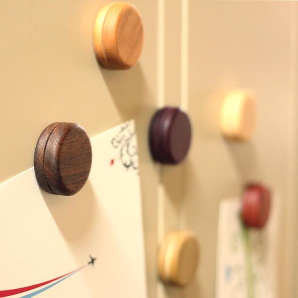 洋菓子マカロンのようにカラフルなかわいい木製マグネット