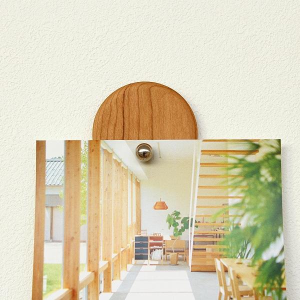 ボールの間に写真やポストカードを差し込むだけで簡単に写真交換