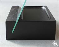 Hacoaデザイン、シンプルな構造がおしゃれな卓上木製スタンドミラー