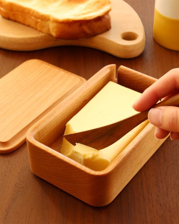 優雅な朝食のひとときに。木製バターケース「Butter Case Lサイズ」