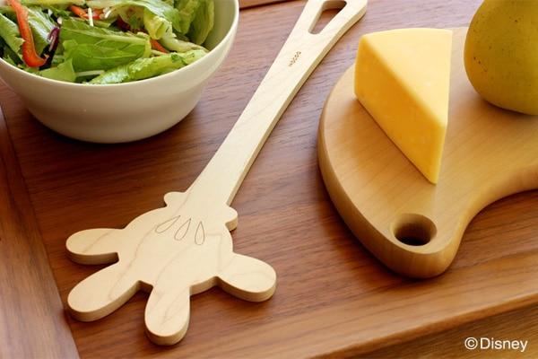 ミッキーマウスの手の形をした木製調理へらもご用意