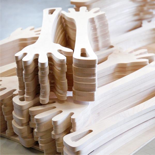 Hacoaデザインの、手のかたちをした調理木べら