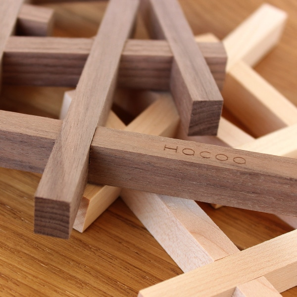 北欧風デザインの木製鍋敷き