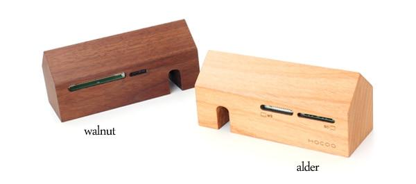 スマホのデータも読み取れる。microSD対応の木製カードリーダー