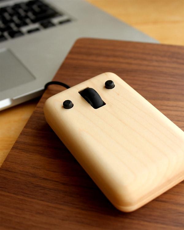 無垢材を削り出したかわいい木製マウス「Play Mouse」