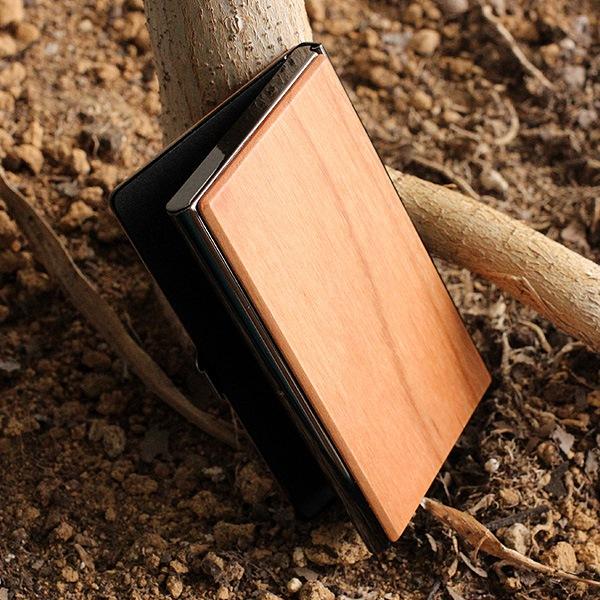 +LUMBERブランドの木製名刺入れ・カードケース