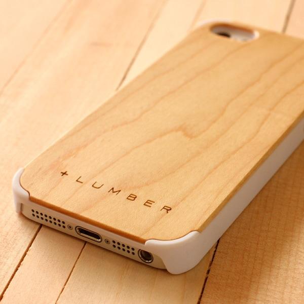 天然木の手触りと自然の木目が楽しめるアイフォン5/5s専用のハードケース