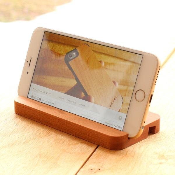 アイフォン6に対応した木製スマホスタンド・ドック