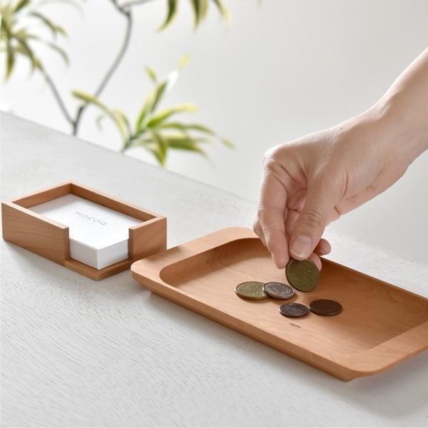 木製キャッシュトレイと一緒に並べて木の温もりを。開店祝いに。