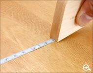 木製のメジャー。おしゃれな巻尺。