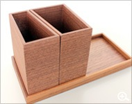 Hacoaデザインの、木製モジュールスタンド&ペントレイ「Module set」