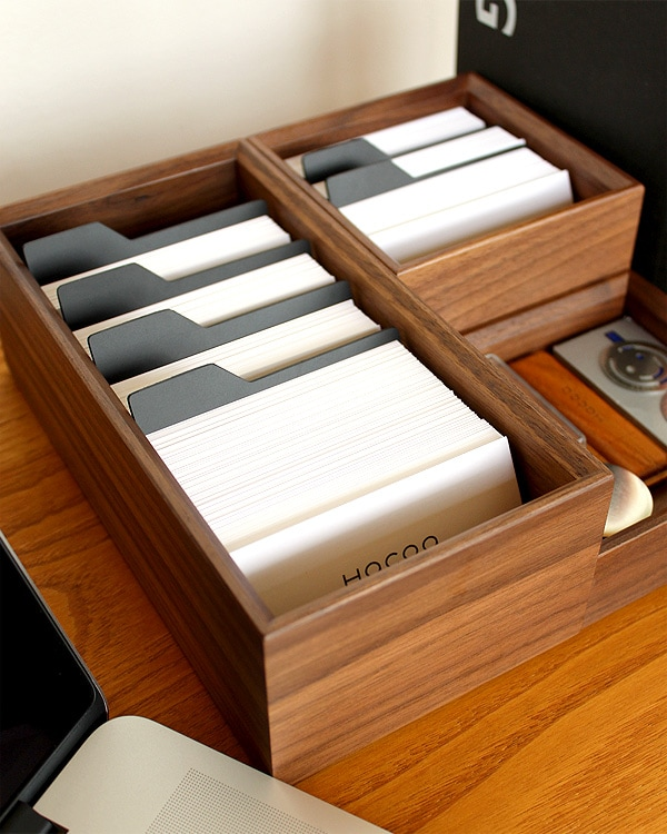 大量の名刺・カードを収納できるボックスホルダー