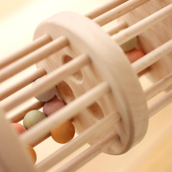 日本製にこだわった国産の木製ラトル