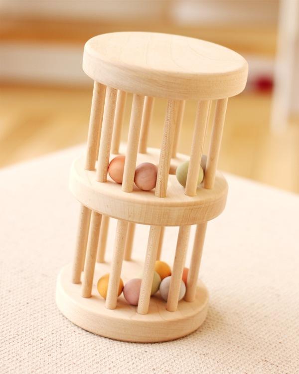 日本製のかわいいタワー型木製ラトル・がらがら「いろはタワー」