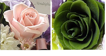 薄紫とグリーンの優しい色合いは故人様の思い出を優しく包み込んでくれます。プリザーブドフラワーケース入り