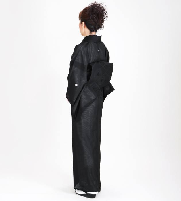喪服レンタル 絽 シルック 全身後ろ姿画像