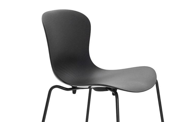 キャスパーサルト椅子