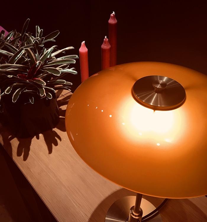 PH3/2 琥珀色テーブルランプ