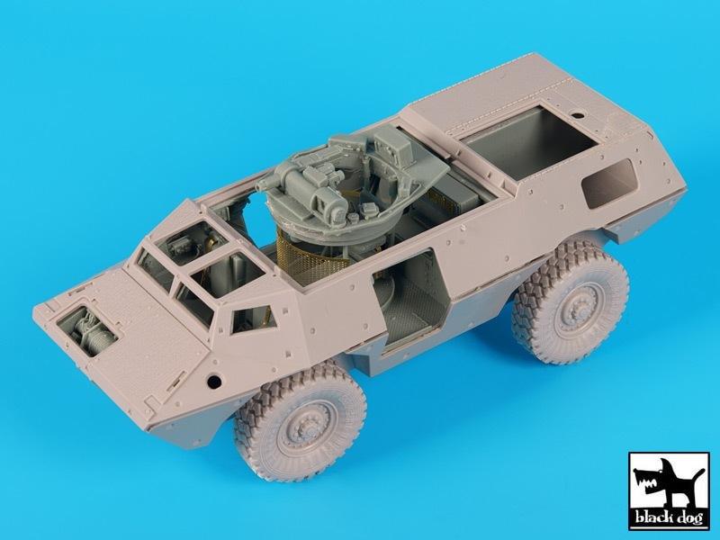 【新製品】T35177)M1117 ガーディアン 内装