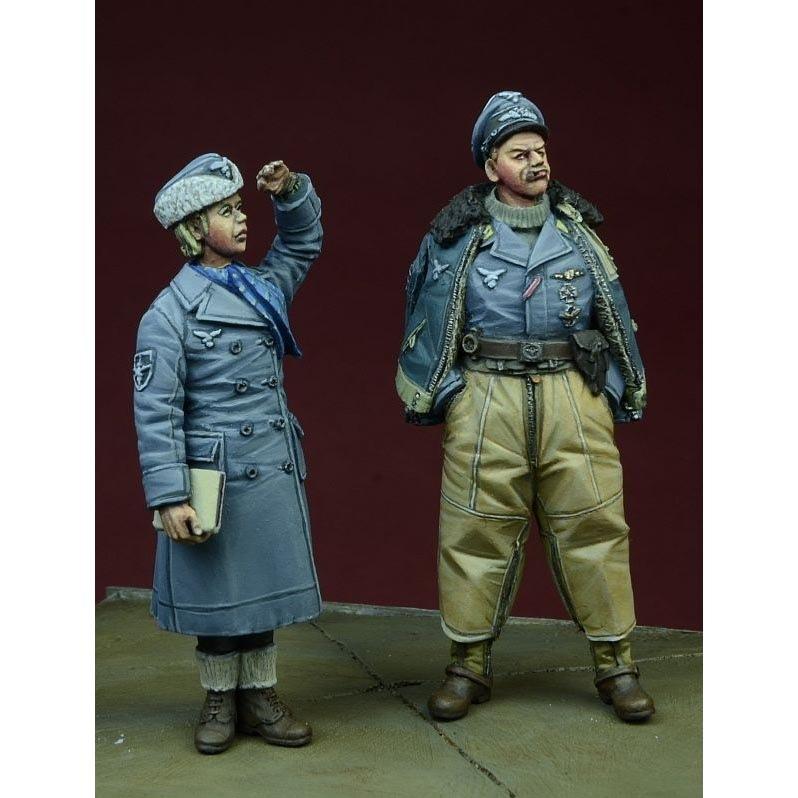 【新製品】DD35076)WWII 独 空軍パイロット&女性補助隊員(冬季)1942-1945(2体セット)