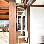 金属製ロフトはしごシンプルラダーの全体画像