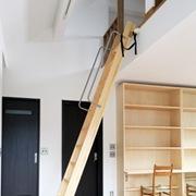 木製ロフトはしごセーフティーラダー(ニュージーパイン)の全体画像