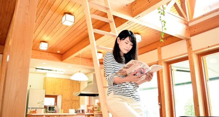 木製ロフトはしご北欧ラダーの展示風景