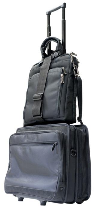 スーツケースの上の空きスペースを有効活用画像