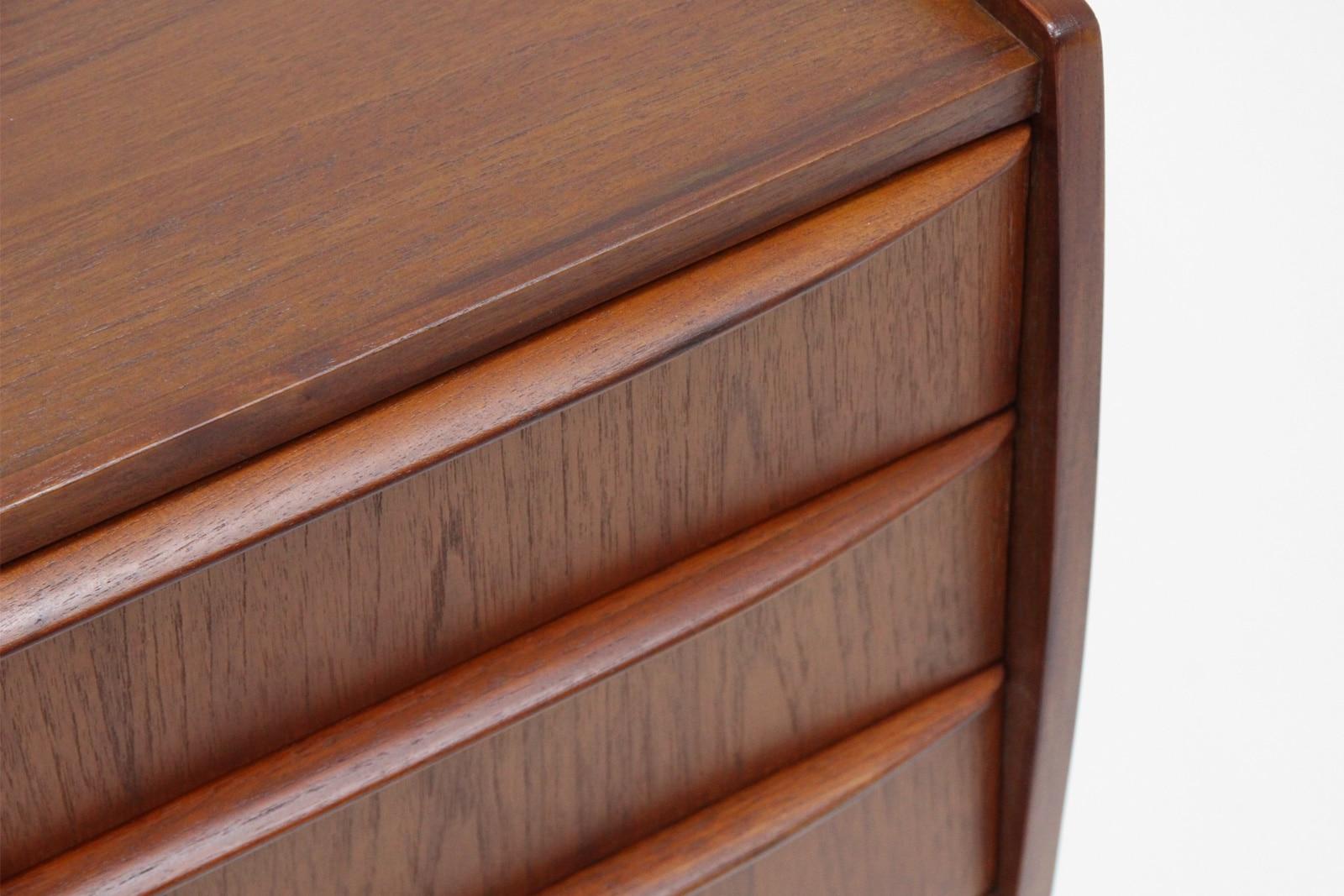 北欧,デザイン,家具,クロッケン,チーク材,3段,ミニチェスト