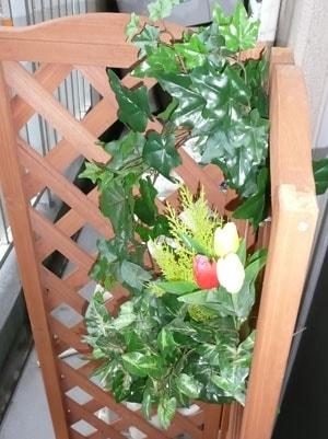 ウォータープルーフアイビーバイン他屋外向け造花の写真