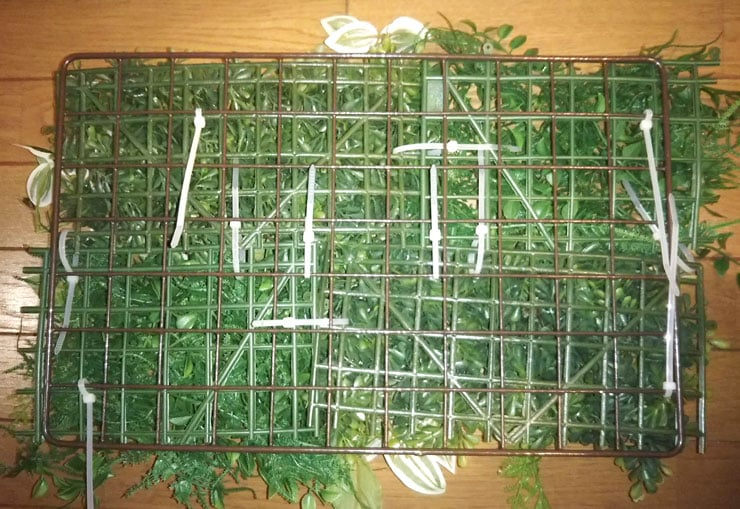 2種類の人工観葉植物のマットを並べました